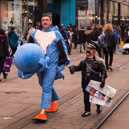Fancy-dress-on-Market-Street-Manchester-Les-Telford